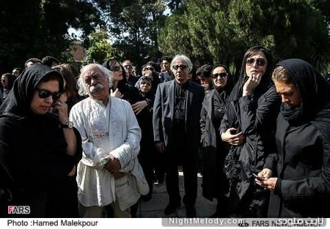 مهتاب کرامتی، مسعود رایگان، بهزاد فراهانی و رویا تیموریان در مراسم تشییع پیکر عسل بدیعی
