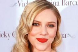 نگاهی به لباس های Scarlett Johansson در سالهای مختلف