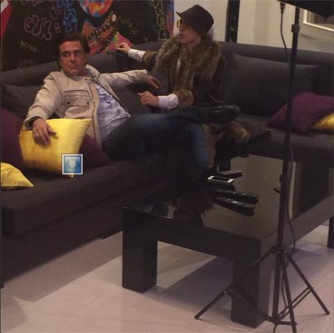 """تصاویر محمدرضا گلزار و مرتضی پاشایی در حال ضبط ترانه""""روزبرفی"""""""