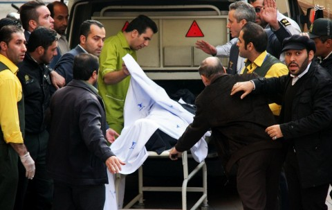 انتقال پیکر مرتضی پاشایی با آمبولانس