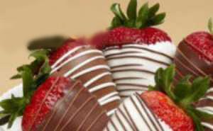 دسر توت فرنگی شکلاتی