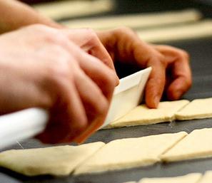 طرز تهیه نان بیشمه