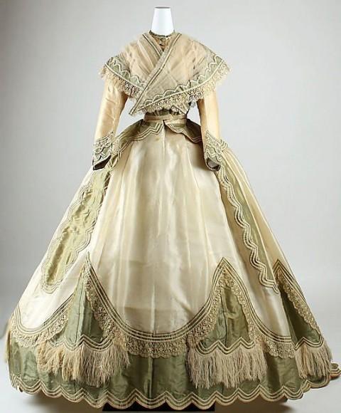 مدل لباس های سنتی اروپایی(زنانه)
