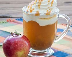طرز تهیه نوشیدنی سیب کاراملی