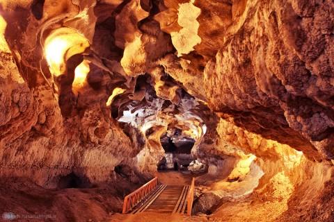 kataleh_khour_cave