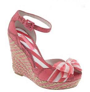 شیک ترین مدل های کفش صورتی عروس