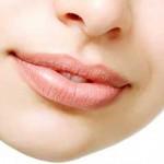 خشکی لب های خود را با این 3 راهکار خانگی ساده درمان کنید