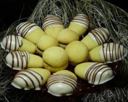 طرز تهیه شیرینی انگشتی بادامی برای عید نوروز