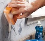 نحوه تمیز کردن لکه های روی دیوار