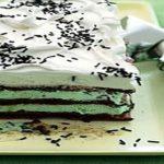 طرز تهیه کیک بستنی شکلاتی و نعنایی