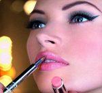 پرهیز از آرایش غلیظ در میهمانیهای غیررسمی
