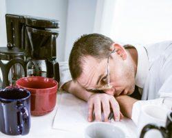 8 خطر پنهان اعتیاد پیدا کردن به کافئین