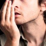 7 دلیل غیر منتظره که باعث بوی بد دهان می شوند