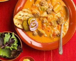 طرز تهیه سوپ چیزبرگر آمریکایی