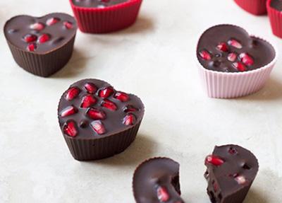 دسر شکلات انار برای شب یلدا