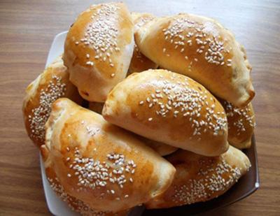طرز تهیه پیراشکی پنیری ترکیه ای