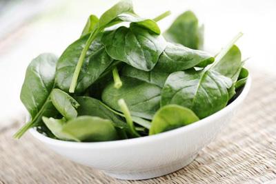آشنایی با 13 خاصیت کلروفیل؛ دلیل سبزیِ سبزی ها