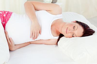 مشکلات خواب که خانمهای باردار با آن دست و پنجه نرم می کنند!