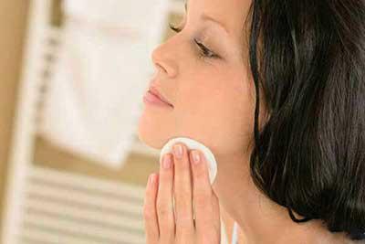 طرز تهیه چند پاک کننده طبیعی آرایش در خانه