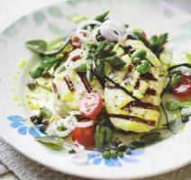 طرز تهیه سالاد پنیر کبابی با سبزیجات کبابی