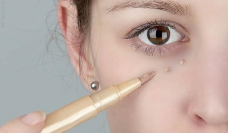حلقه های تیره ی زیر چشمتان را بهبود دهید