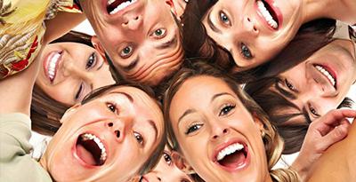 به چه علت خنده درمانی برای جسم و روح مفید است؟