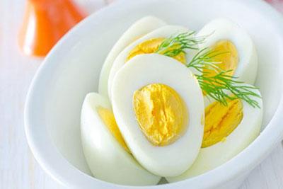 خوردن تخم مرغ و تخم بلدرچین چه فوایدی برای کودکان دارد؟