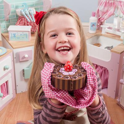 مضرات شکلات برای کودکان
