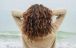 فواید متوقف کردن شستشوی هر روزه موها