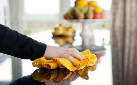 به کمک روغن زیتون آشپزخانه تان را تمیز کنید