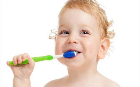 از دندان های شیری فرزندتان مراقبت کنید..!