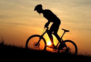 مضرات دوچرخه سواری استقامتی برای سالمندان