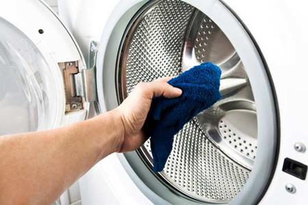 برای از بین بردن بوی بد ماشین لباسشویی این روش را امتحان کنید