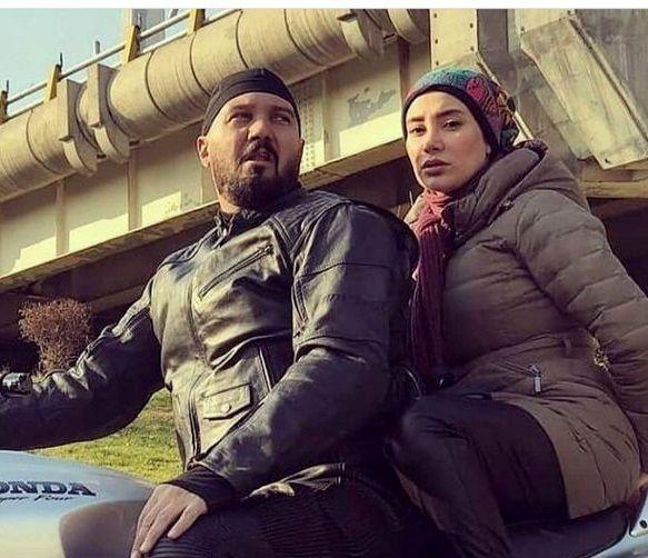 کامبیز دیرباز و خانم بازیگر در حال موتور سواری +عکس